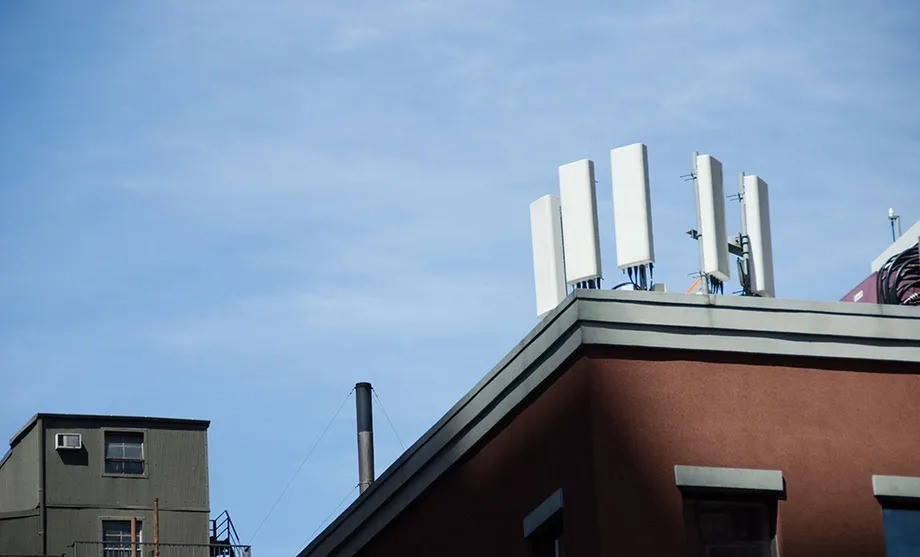 Check if your Verizon or AT&T phone will keep working after the networks' 3G shutdowns